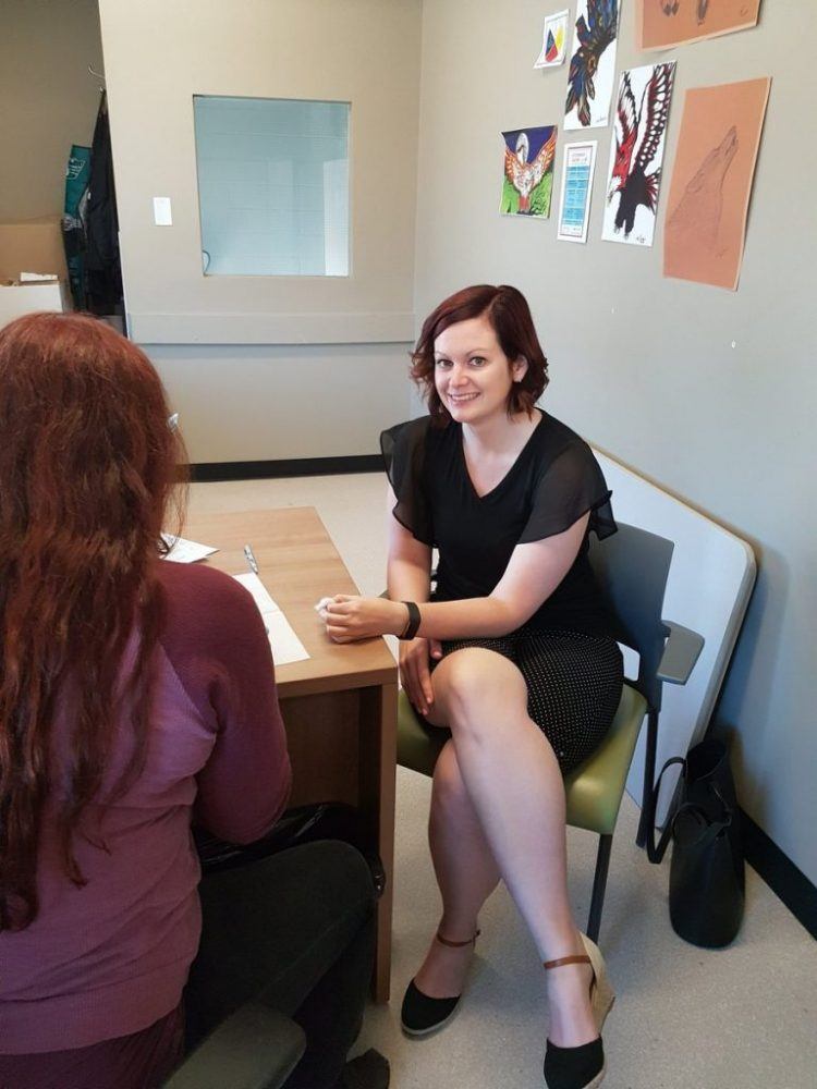 Saskatchewan MLA Vicki Mowat getting tested on HIV Testing Day. Photo source: AIDS Saskatoon (https://www.aidssaskatoon.ca/)